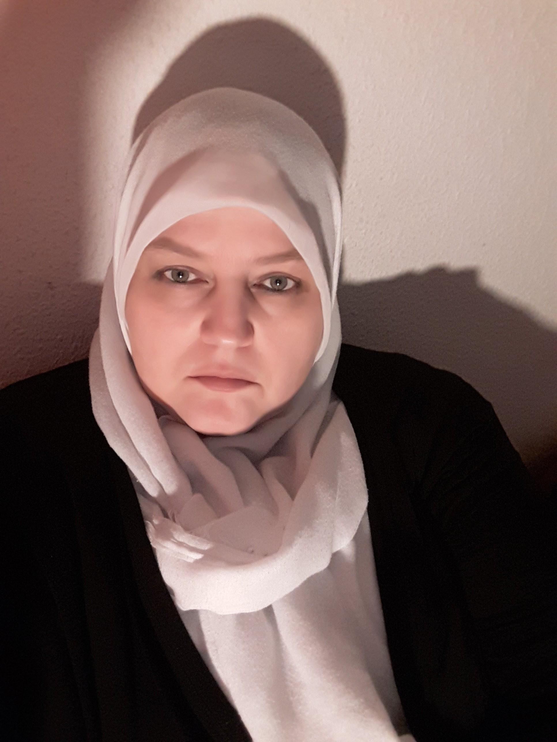 Mabroukas Photos | Free Muslim Marriage Site